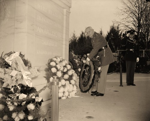 Gen. Pershing pays homage to Unknown Soldier. Washington, D.C., Nov. 11. General John J. Pershing, Commander of the American Forces during the World War, places a wreath on the Tomb of the Unknown Soldier in Arlington National Cemetery to observe the 20th anniversary of the signing of the Armistice