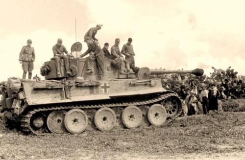 Tunesien, Panzer VI (Tiger I) in Ruhestellung