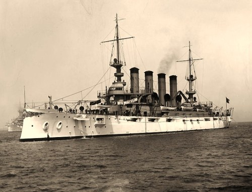 USS Tennessee (Armored Cruiser # 10)At anchor, circa 1907. U.S. Naval Historical Center Photograph.