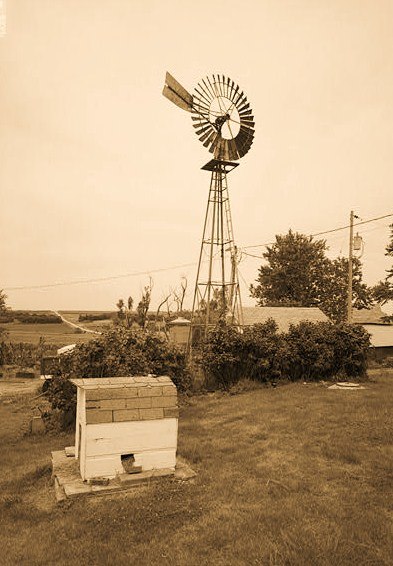 GENERAL VIEW OF ELI WINDMILL ON STEEL TOWER AT GEORGE STUCKENOLZ FARM ABOUT 6 MILES SOUTH OF NEBRASKA CITY WEST OF NEBRASKA HIGHWAY 75. - Kregel Windmill Company Factory, 1416 Central Avenue, Nebraska City, Otoe County, NE