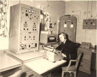 radio002