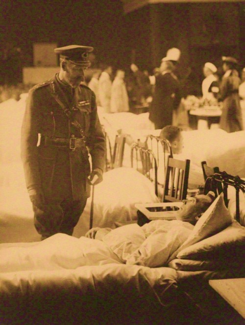 King George V visiting the Red Cross War Hospital, Torquay